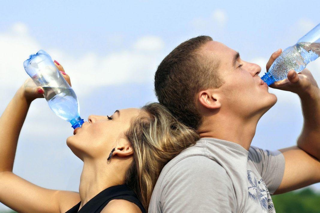 Boire plus d'eau améliore votre régime alimentaire