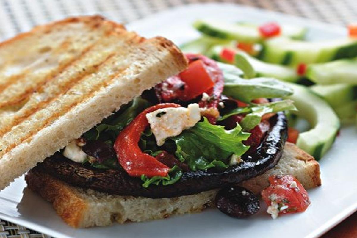 Hamburgers méditerranéen aux champignons portobello