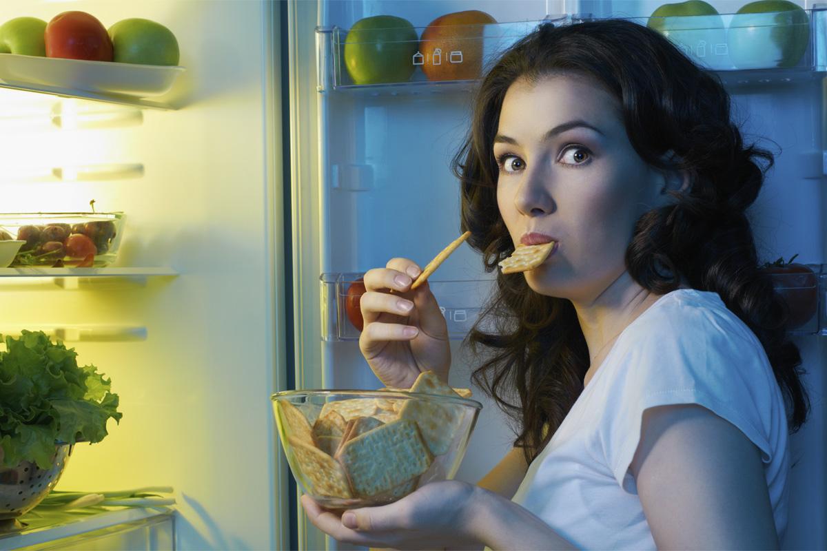 Manger la nuit fait-il grossir ?