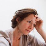 mangermediterraneen-Pesticides-plastiques-produits-chimiques-menopause-precoce