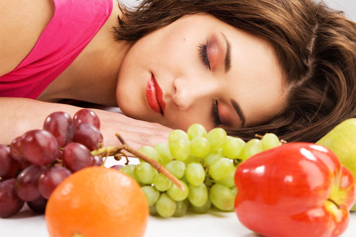 Mangez ces aliments pour le dîner et vous dormirez mieux ce soir !