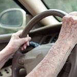 Est-ce que le malade doit arreter de conduire