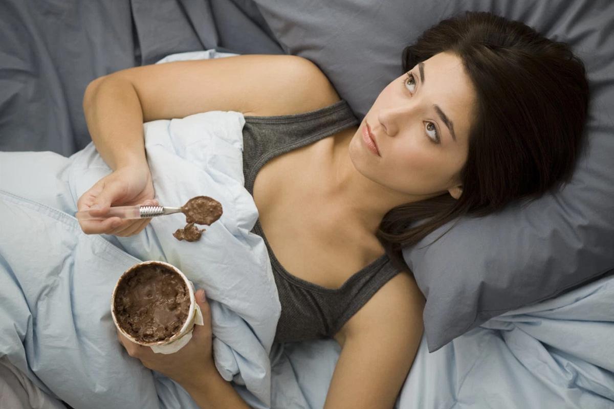 8 façons d'arrêter de manger à votre stress !