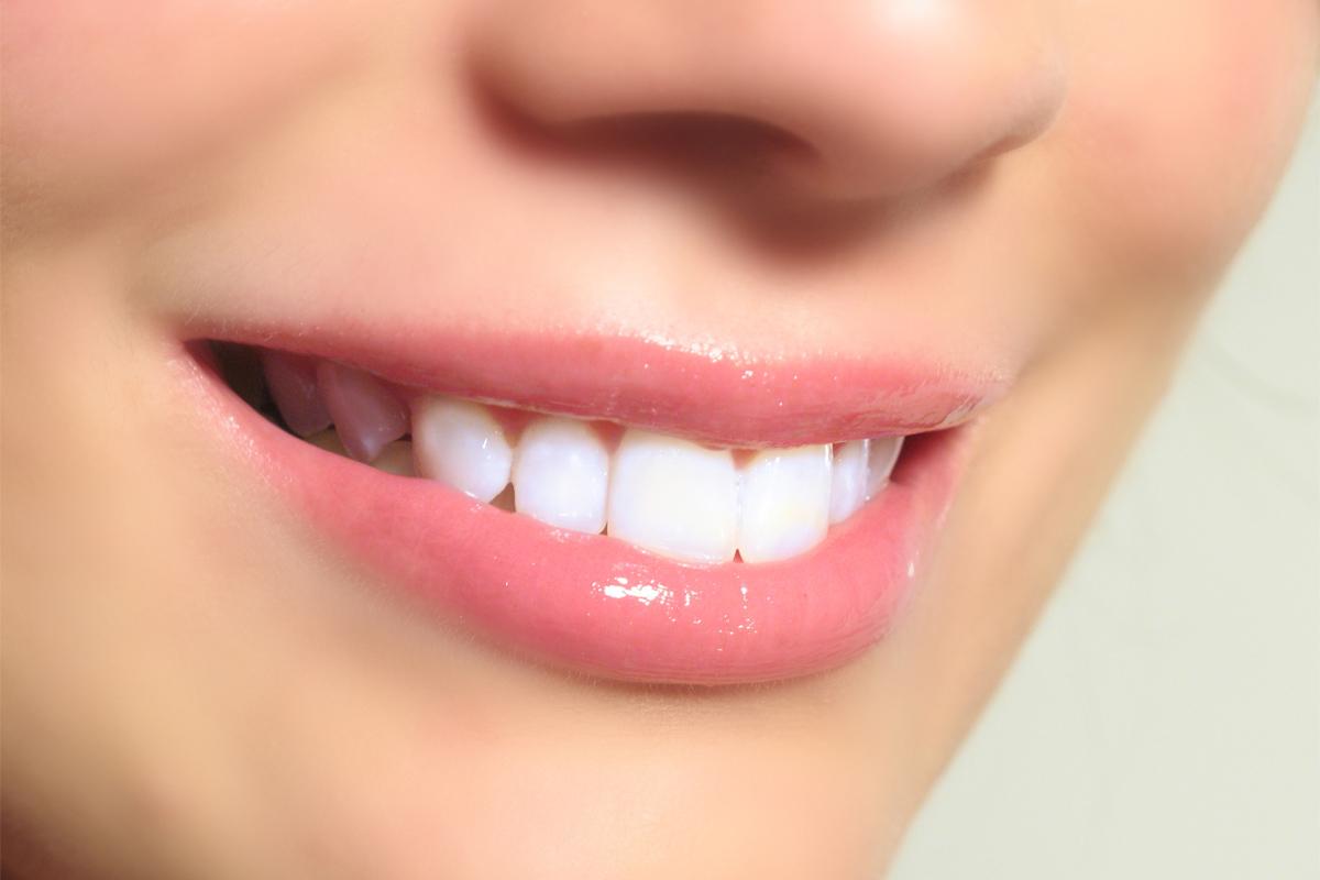 Comment blanchir vos dents naturellement ?