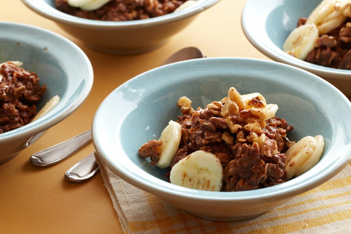 Gruau d'avoine aux bananes, chocolat et noix
