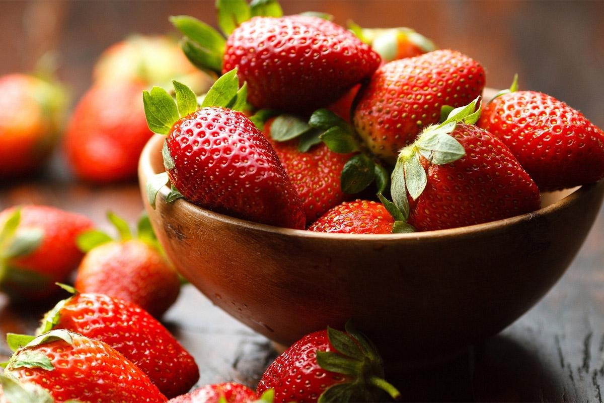 Les fraises ont le plus de résidus de pesticides !