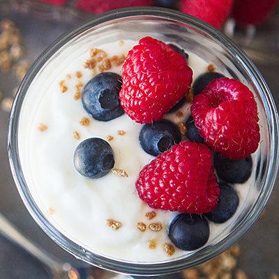 Au lieu du yaourt sans gras aux fruits