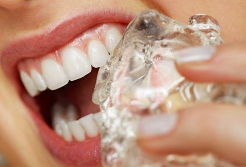 La pagophagie endommage les dents