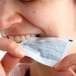 Ouvrir les emballages avec les dents