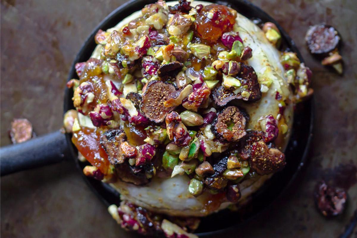 Brie aux figues, noix et pistaches