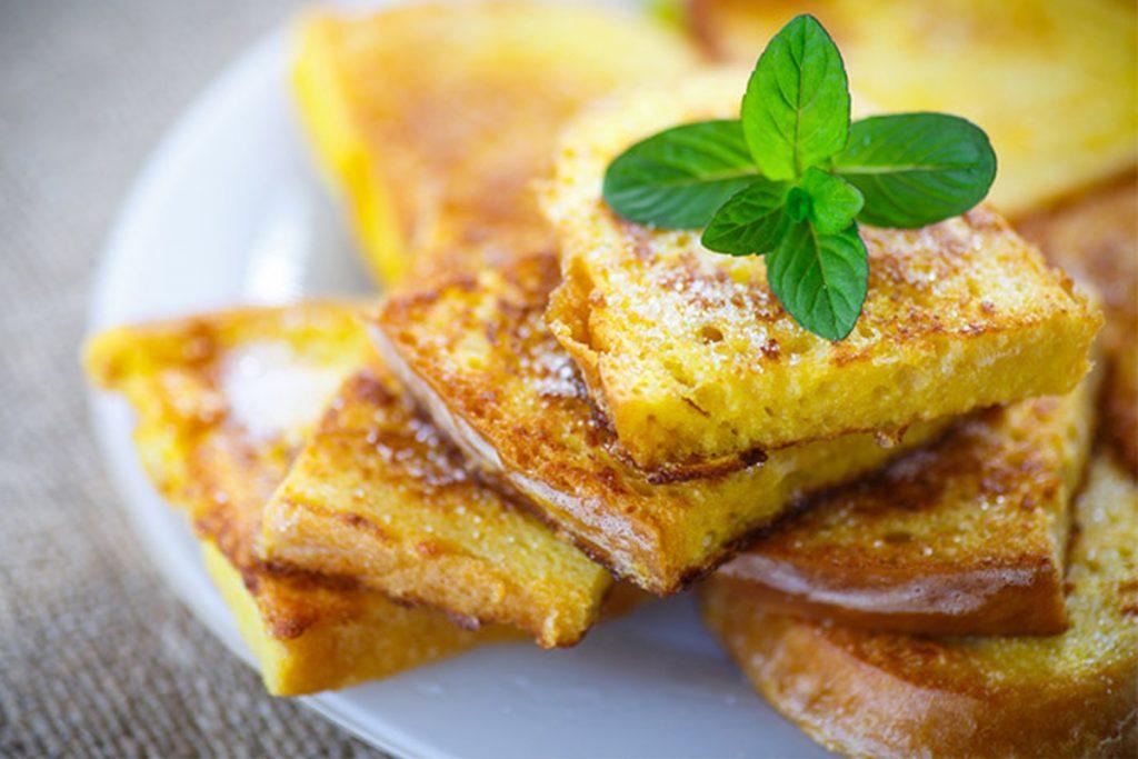 Toast pomme-cannelle au four