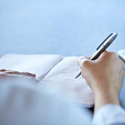 Ecrivez à la main