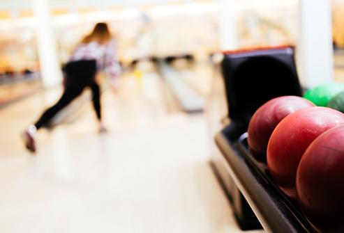 En jouant au bowling pour les Cookies
