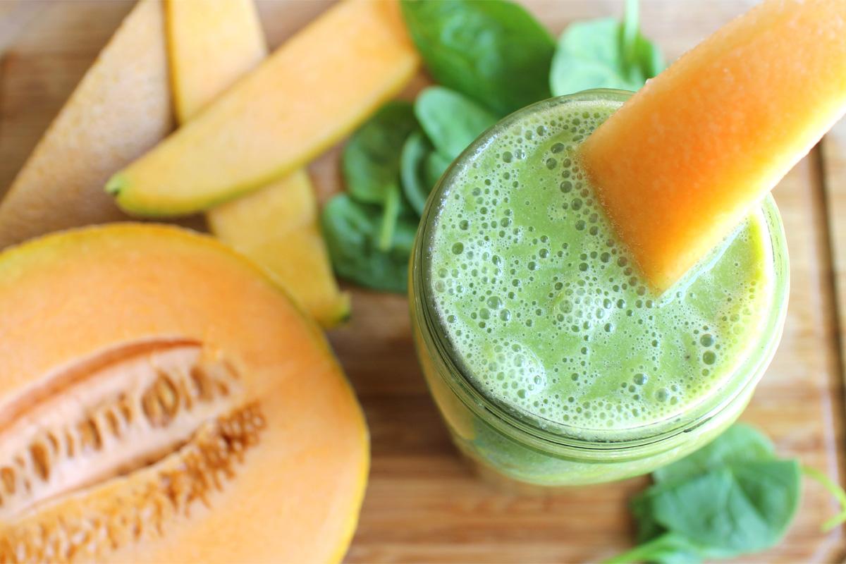 Smoothie vert cantaloup-épinard
