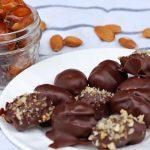 Dattes aux amandes enrobées de chocolat noir