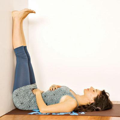 des mouvements de yoga pour vaincre l 39 insomnie diminuer le stress et soulager la douleur. Black Bedroom Furniture Sets. Home Design Ideas