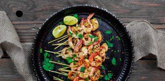 Brochettes méditerranéenne de crevettes à l'ail