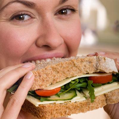 Manger des aliments coupe-faim