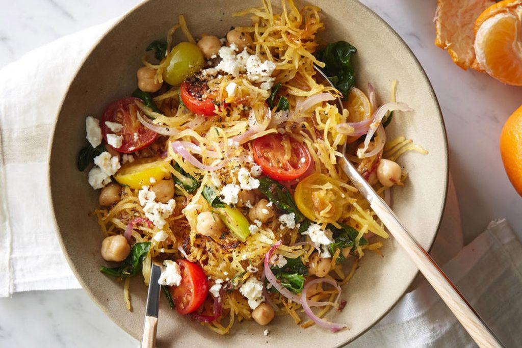 Spaghetti de courgette la grecque manger m diterran en - Comment cuisiner courgette spaghetti ...