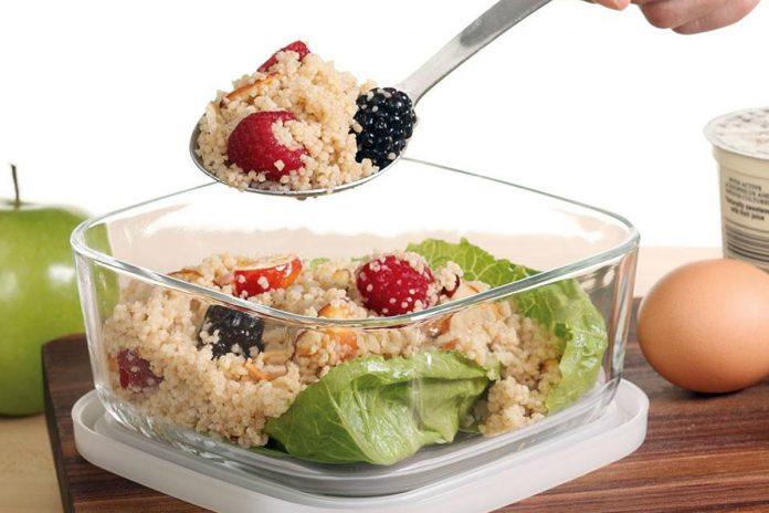 Salade de couscous et de fruits