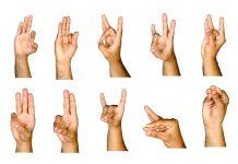 8 signes de la main que les maitres de Yoga utilisent pour se débarrasser de la migraine, de l'anxiété et de la dépression !