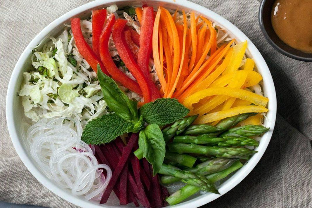 Bol de légumes arc-en-ciel