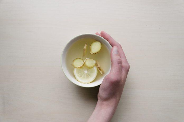 Le thé qui nettoie le foie, dissout les calculs rénaux et attaque les cellules cancéreuses !
