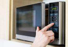 Alerte micro-ondes : vous ne devriez jamais réchauffer ces 8 aliments !