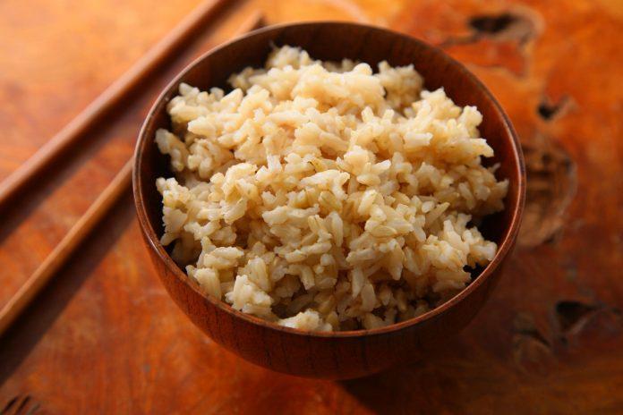 Le riz brun est-il plus sain ?