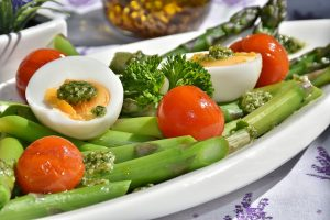 10 aliments à consommer plus souvent si vous essayez de perdre du poids, selon les nutritionnistes.