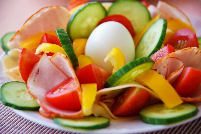 Œuf dur, œuf à la coque… 7 astuces de chefs pour une cuisson parfaite de l'œuf !