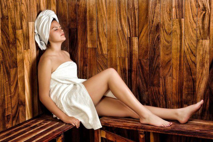 Selon une étude récente, le sauna pourrait réduire le risque de crise cardiaque !