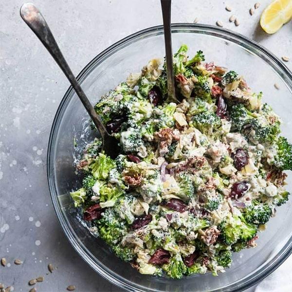 Salade méditerranéenne de brocoli